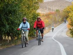 دوچرخه سواری خمده به انزاها پاییز