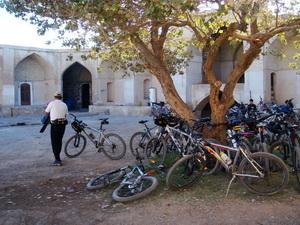 قصربهرام - عین الرشید حیاط کاروانسرا